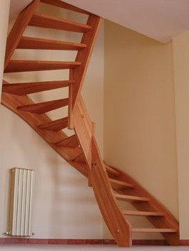 Простая лестница на тетиве