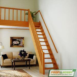 №6 Прямая классическая лестница с ограждением
